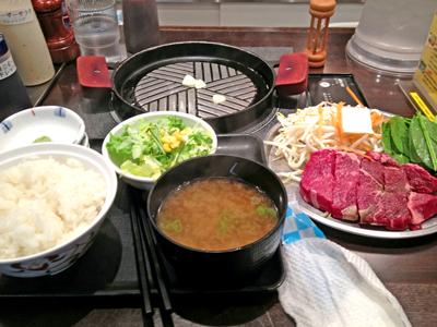 肉屋がはじめた正直な食堂_牛ロースステーキ.jpg